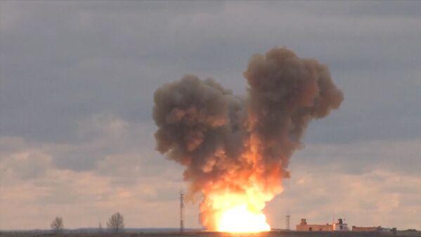 Start nejnovější rakety Avangard - Sputnik Česká republika