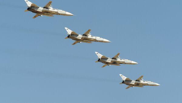 Letouny Su-24 nad Rostovskou oblastí - Sputnik Česká republika