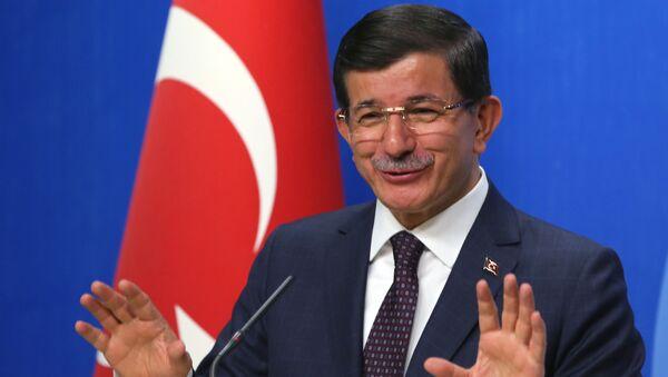 Turecký premiér Ahmet Davutoğlu - Sputnik Česká republika