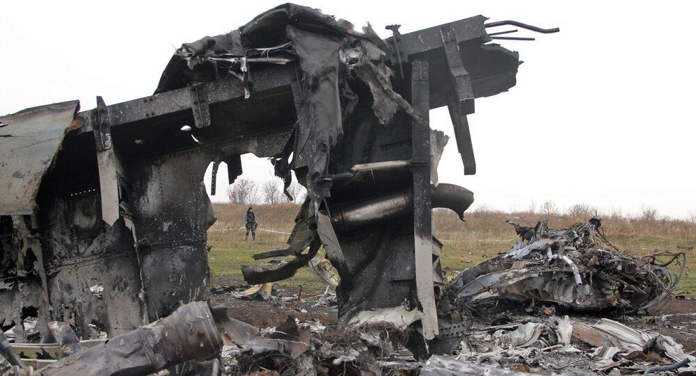 Fragmenty Boeingu 777 po katastrofě letu MH17