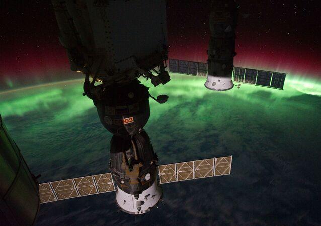 Polární záře nad Novým Zélandem,zachycená z ISS.