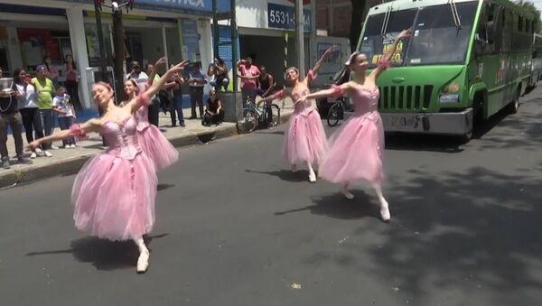 Balet v ulicích Mexika - Sputnik Česká republika