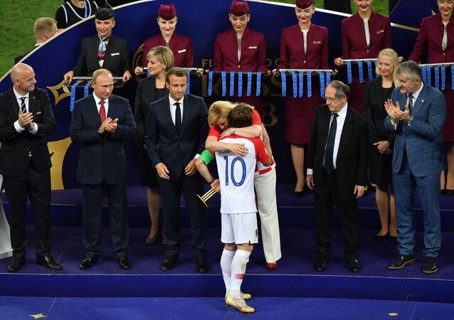 Chorvatský fotbalista Luka Modrić získal Zlatý míč pro nejlepšího hráče MS 2018