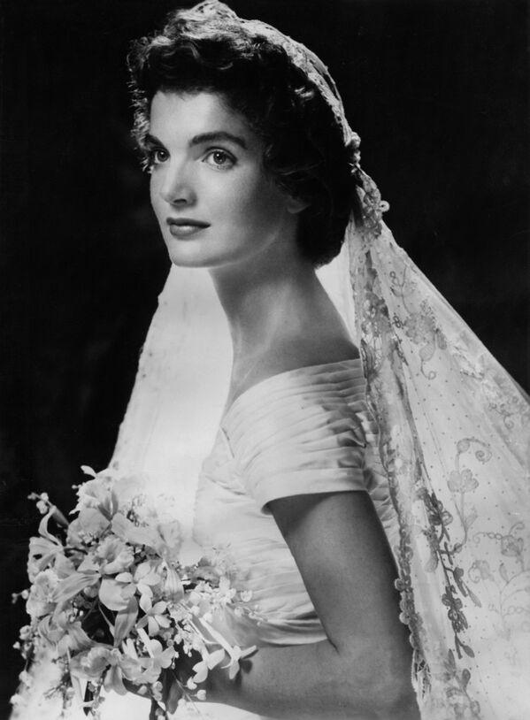 Svatební portrét Jacqueline Kennedyové - Sputnik Česká republika