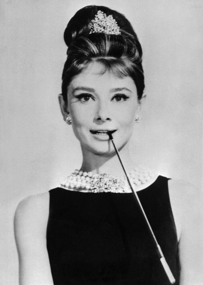 Herečka Audrey Hepburnová v záběru filmu Snídaně u Tiffany