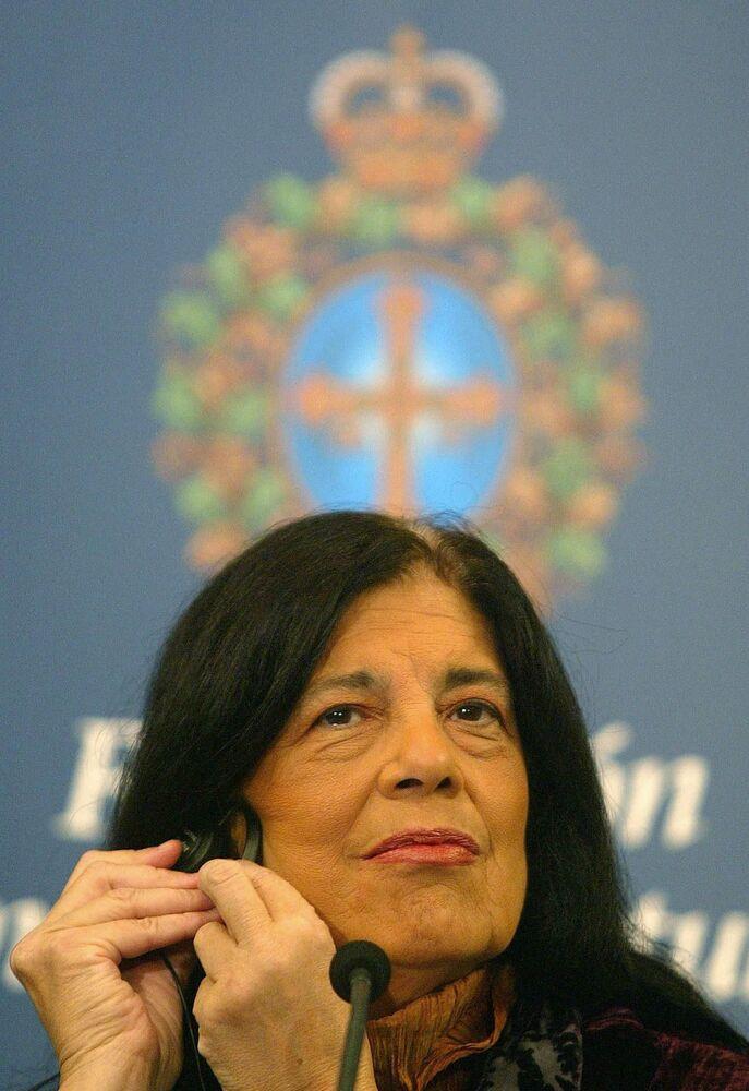 Americká spisovatelka Susan Sontag na tiskové konferenci ve Španělsku