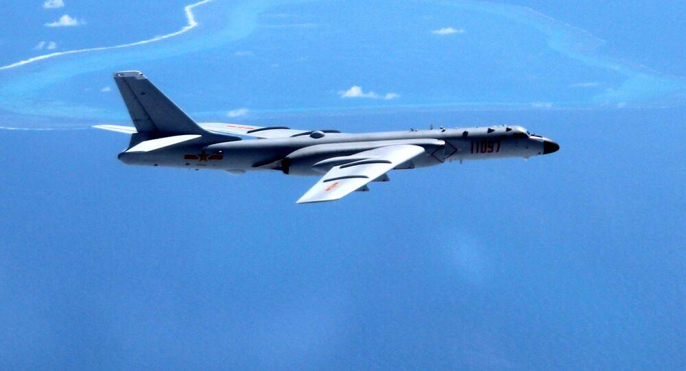 Čínský bombardér Xian H-6K. Ilustrační foto