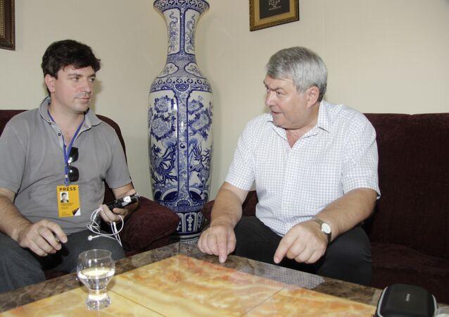 Novinář Vladimír Franta a předseda ÚV KSČM Vojtěch Filip