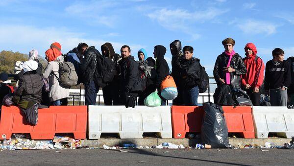 Migranti na hranici Rakouska a Německa - Sputnik Česká republika