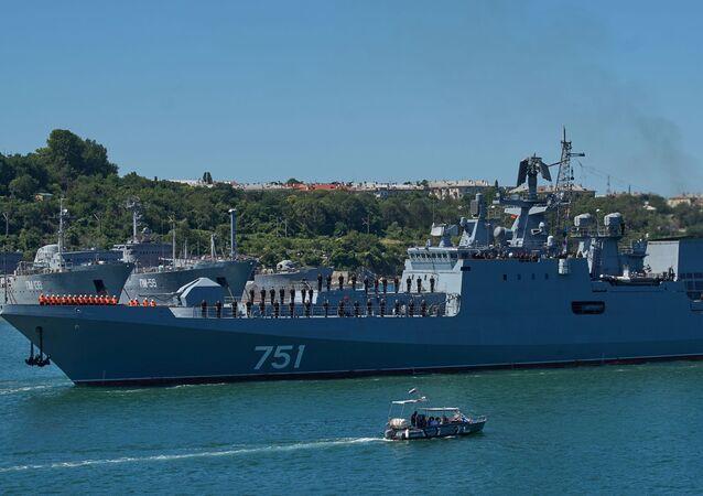 Fregata Admiral Essen v Sevastopolu