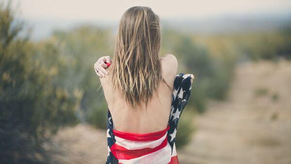 Dívka v americké vlajce - Sputnik Česká republika