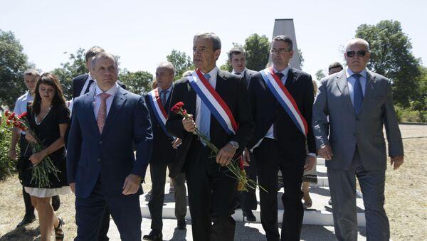 Francouzští poslanci na Krymu v červenci roku 2015 - Sputnik Česká republika