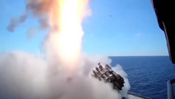 Fregata třídy Admiral Grigorovič poprvé vystřelila z Kalibru - Sputnik Česká republika