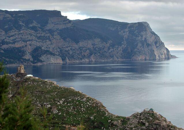 Výhled na hory u Balaklavy, Krym