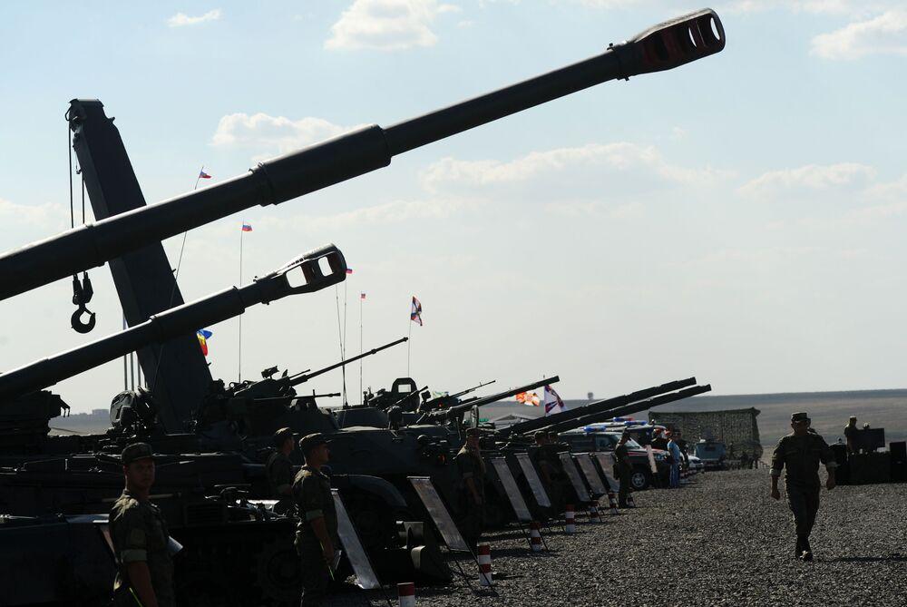 Taktická cvičení divize motorizovaných zbraní Jižního vojenského okruhu v Rostovské oblasti