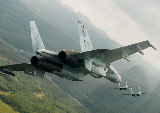 Stíhačky Su-27. Ilustrační foto