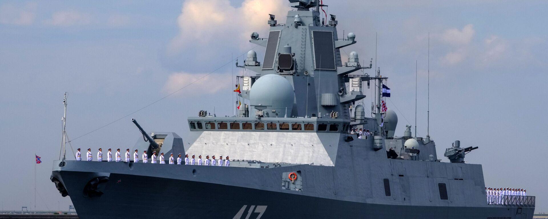 Fregata Admirál Gorškov při zkoušce námořní přehlídky v den námořnictva v Kronštadtu - Sputnik Česká republika, 1920, 24.04.2021