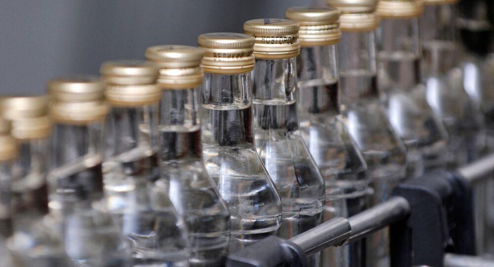 Stáčírna vodky. Ilustrační foto