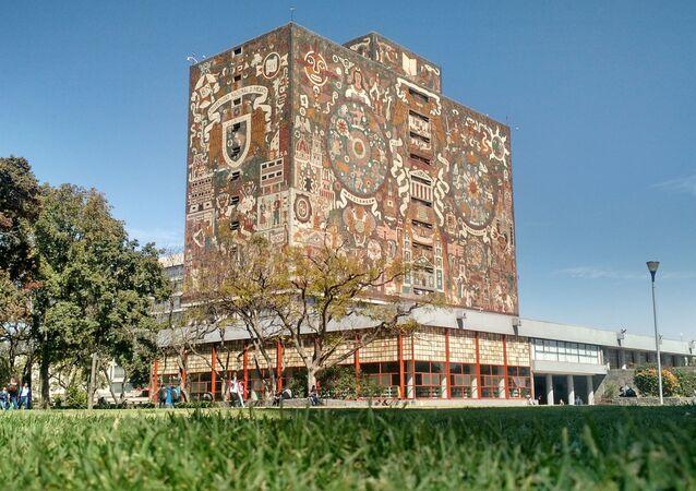 Budova knihovn Mexické národní autonomní univerzity