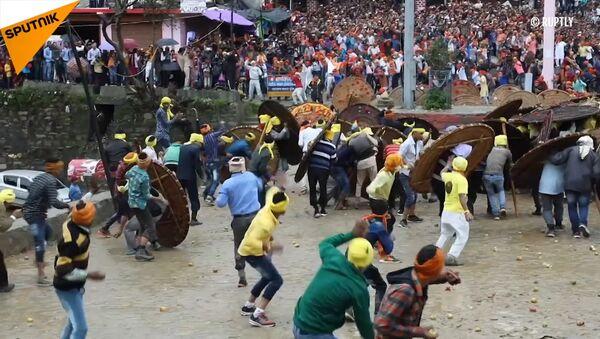 Festival kamenů v Indii. Přežije ten nejsilnější - Sputnik Česká republika