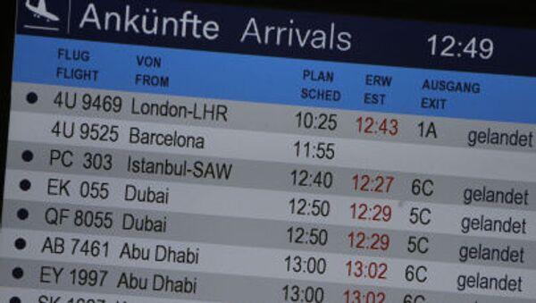 Na letišti v Düsseldorfu - Sputnik Česká republika