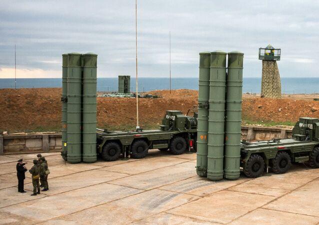 Komplex protivzdušné obrany S-400 v Sevastopolu