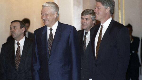 Ruský prezident Boris Jelcin a jeho americký protějšek Bill Clinton - Sputnik Česká republika