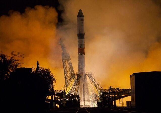 Start rakety Sojuz-2.1A