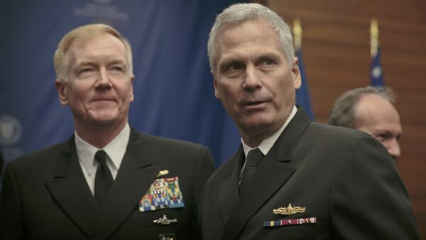 Velitel Vojensko-námořních sil USA v Evropě a Africe a šéf velení sjednocených sil spojenců v Neapoli admirál James Foggo - Sputnik Česká republika