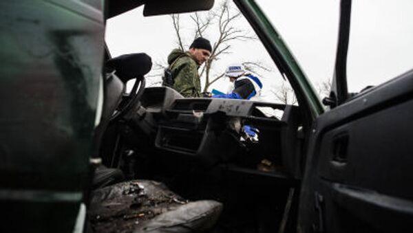 Vedoucí mise OBSE byl zraněn při ostřelování v obci Šyrokyne - Sputnik Česká republika