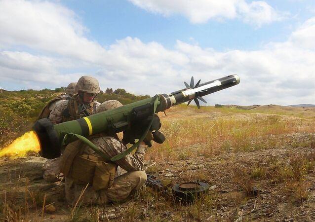 Protitankový raketový komplet FGM-148 Javelin. Ilustrační foto