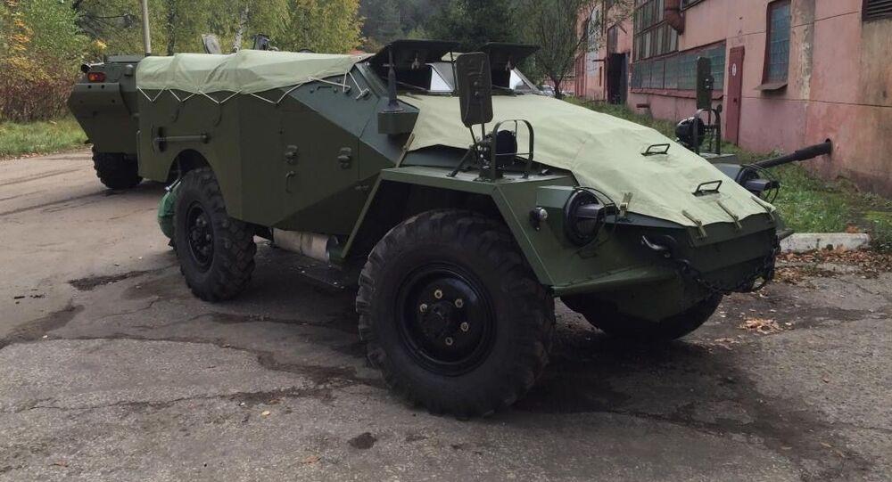 BTR-40 zrekonstruované Alexejem Migalinem