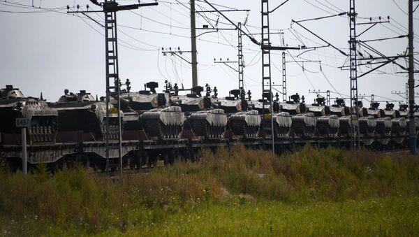 Ešalony s čínskými vojáky, kteří se zúčastní cvičení Vostok 2018 - Sputnik Česká republika