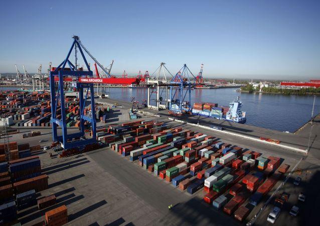 Pohled na přístav Ilustrační foto