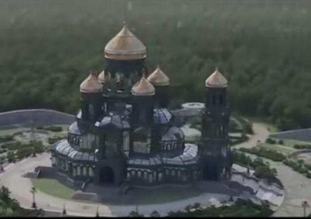 Jak bude vypadat hlavní ruský VOJENSKÝ chrám (VIDEO)