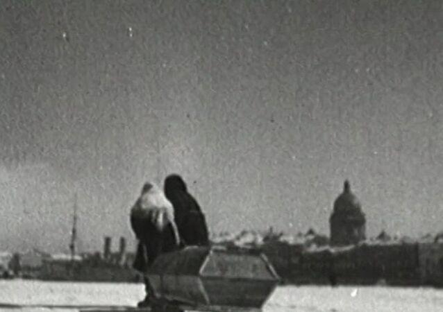 Blokáda Leningradu začala 8. září 1941
