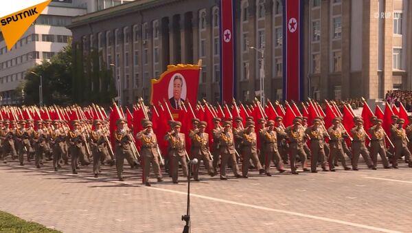 V Pchjongjangu proběhla vojenská přehlídku na počest 70. výročí založení KLDR - Sputnik Česká republika