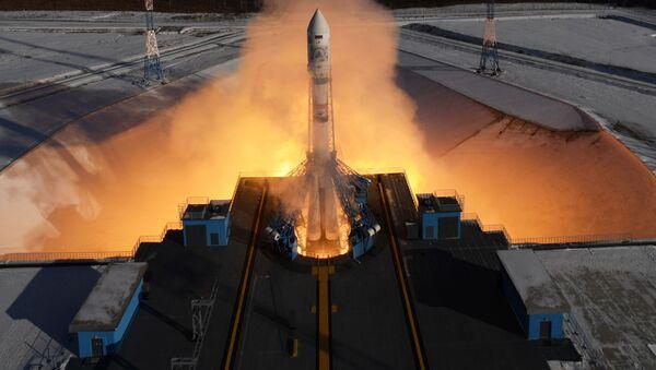 Start nosné rakety Sojuz 2.1a na kosmodromu Vostočnyj - Sputnik Česká republika