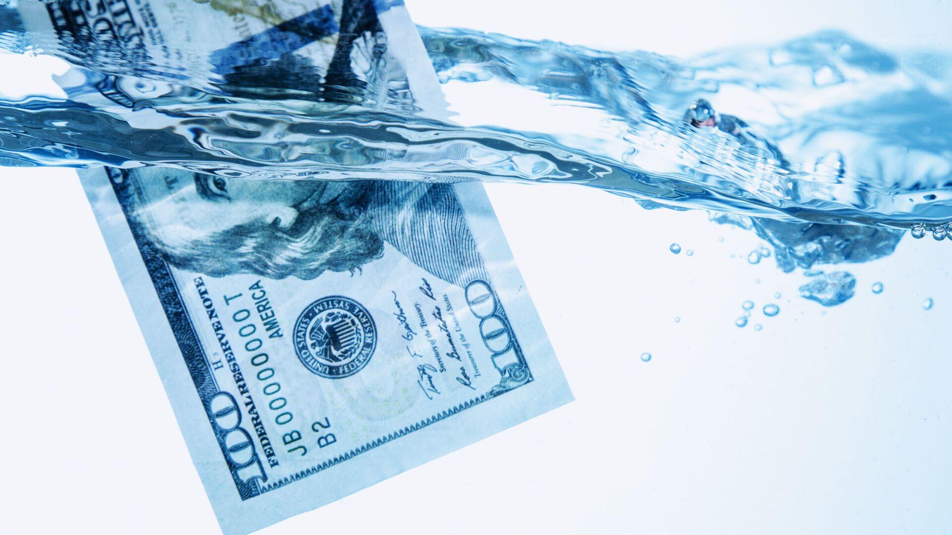 Dolar ve vodě - Sputnik Česká republika, 1920, 01.08.2021