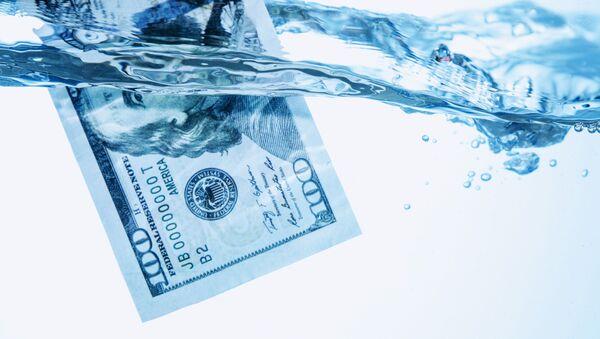 Dolar ve vodě - Sputnik Česká republika