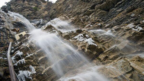 Vodopád v okolí Jalty - Sputnik Česká republika