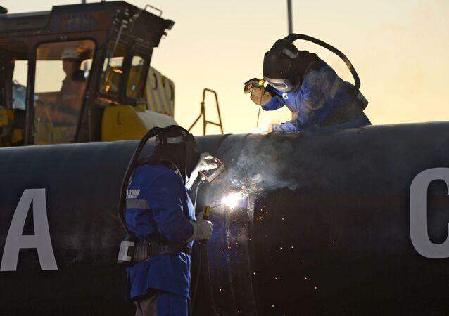 Budování plynovodu Síla Sibiře