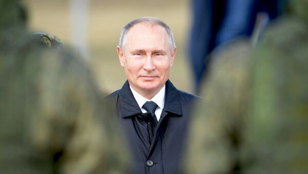 Ruský prezident Vladimir Putin během cvičení Vostok 2018 - Sputnik Česká republika