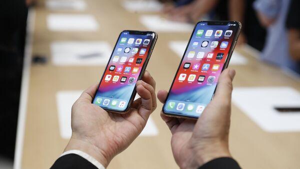Nové telefony Apple XS a XS Max na prezentaci v Cupertinu - Sputnik Česká republika