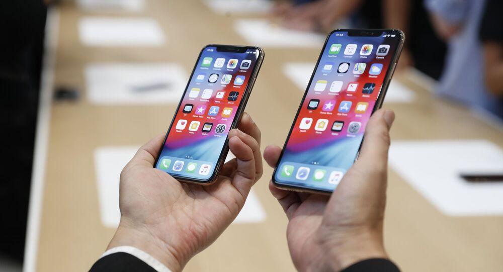 Nové telefony Apple XS a XS Max na prezentaci v Cupertinu