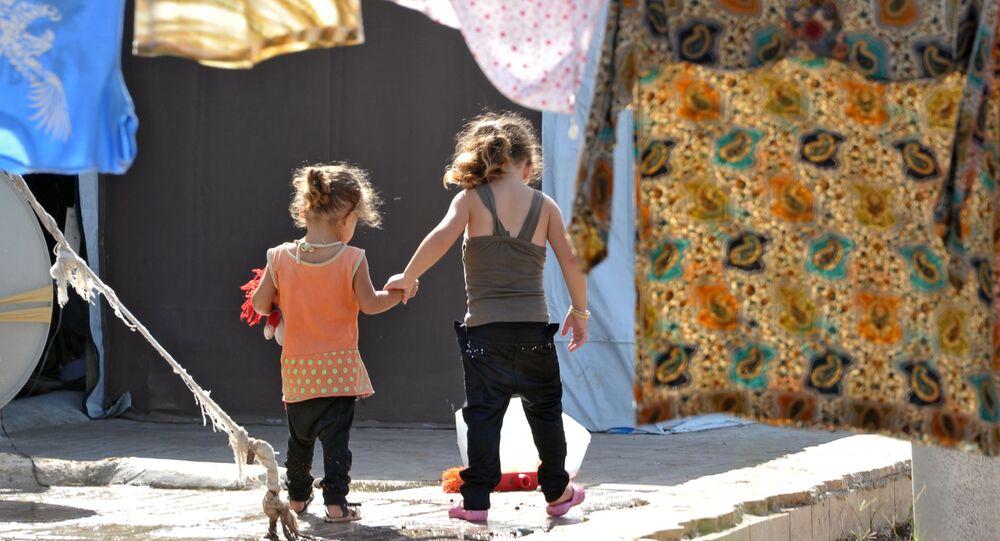 Děti v uprchlickém táboře v Latákii. Ilustrační foto