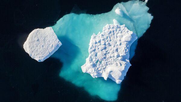 Klimatický útok na Grónsko: Kvůli klimatickým změnám katastroficky tají ledovce - Sputnik Česká republika