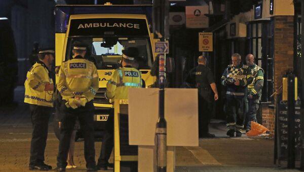 Policie u restaurace Prezzo v Salisbury, Británie - Sputnik Česká republika