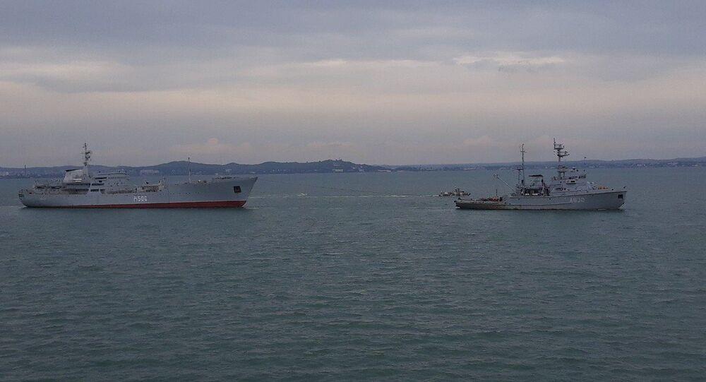 Ukrajinské lodě po proplutí pod Krymským mostem