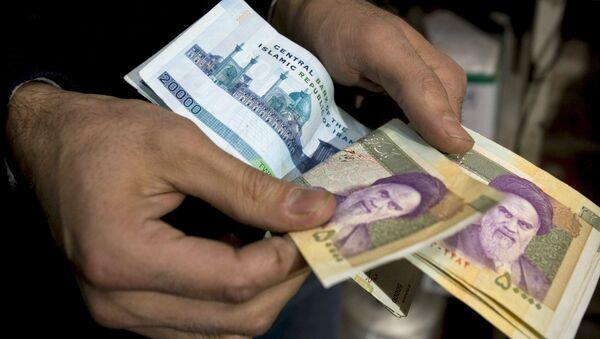 Íránské bankovky - Sputnik Česká republika